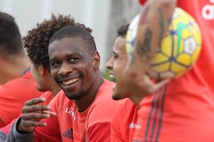 Juan treino Flamengo (Foto: Gilvan de Souza/Flamengo)