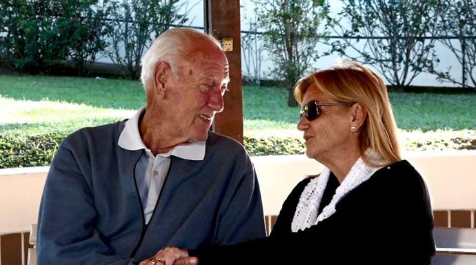 Maria Lúcia Alves, 75 anos, e Vlamir Leite, 70, estão namorando há nove meses (Foto: reprodução EPTV)
