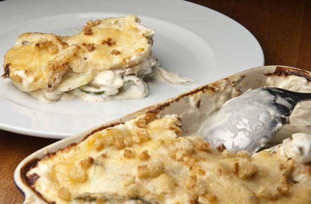 Bacalhau gratinado com cream cheese Philadelphia e queijo parmeso do chef Thomas Troisgros para Cozinhaterapia (Foto: Adriana Lorete)