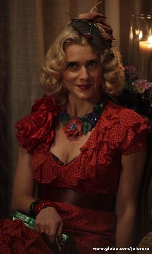 A atriz se inspirou em Gwen Verdon e Marilyn Monroe para compor a personagem  (Foto: Joia Rara / Tv Globo)