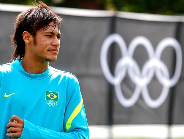 Neymar no treino da seleção brasileira em Manchester (Foto: Reuters)