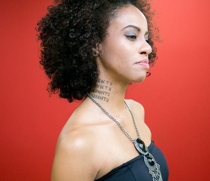 Mais uma tatuagem da integrante do grupo Mato Seco (Foto: Isabella Pinheiro/Gshow)