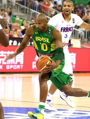 Leandrinho jogo basquete Brasil x França (Foto: FIBA)
