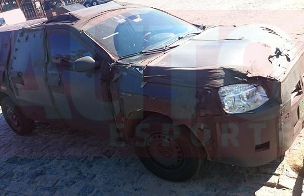 Picape Fiat 226 é flagrada em Perdões (MG) (Foto: Richardson Brazão/Autoesporte)