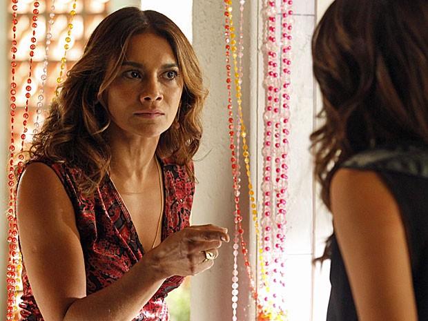 Lucimar exige que Morena fale a verdade sobre as drogas (Foto: salve jorge)