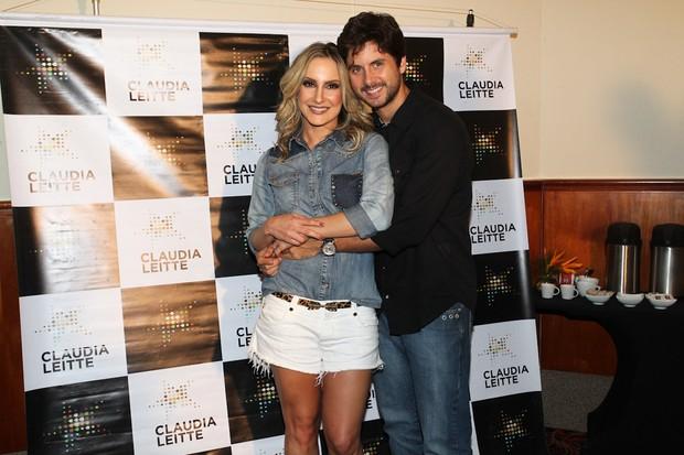 Claudia Leitte com o marido, Márcio Pedreira, antes de show em São Paulo (Foto: Manuela Scarpa/ Foto Rio News)