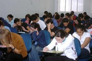 Estudantes fazem prova do Enem (Foto: José Cruz/ABr)