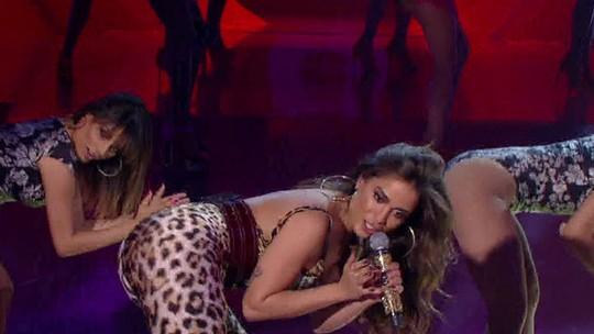 Anitta relembra passado no subúrbio: 'A gente nunca teve uma sala, dormíamos amontoados'