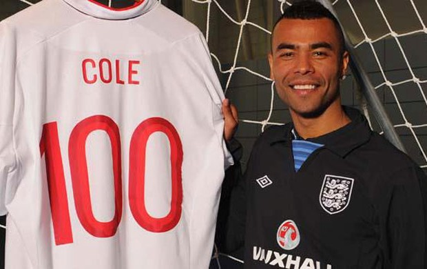 ashley cole camisa 100 inglaterra (Foto: Divulgação / THE FA)