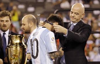 Top 10: com adeus, Messi é mais um craque sem títulos por seleções