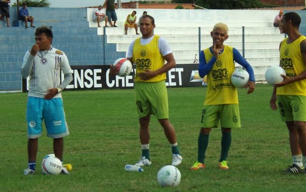 Zé Rodrigues e Barata, em treino do Parnahyba (Foto: Renneé Fontenele/Portal Azulino)