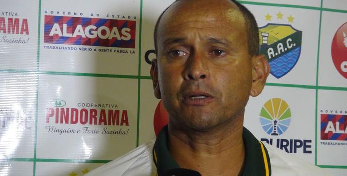 Jaelson Marcelino, técnico do Coruripe (Foto: Denison Roma / GloboEsporte.com)