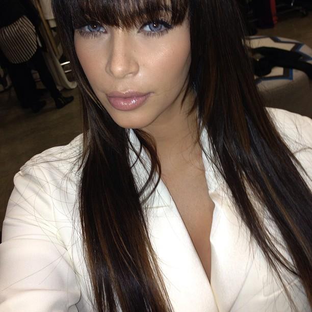 Ego Kim Kardashian Posa Com Lentes De Contato Not 237 Cias