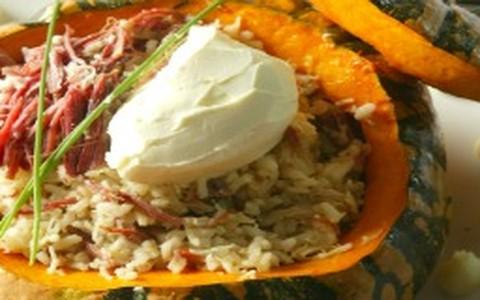 Risoto de carne-seca com abóbora na moranga