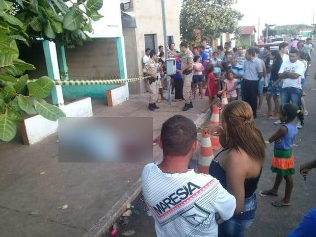 Homem foi morto a tiros em bar de Riachinho (Foto: Divulgação/Folha do Bico)
