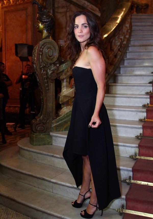 Alice Braga também estava indicada a melhor atriz, mas perdeu o prêmio para Regina Casé (Foto: Anderson Borde/ Ag News)
