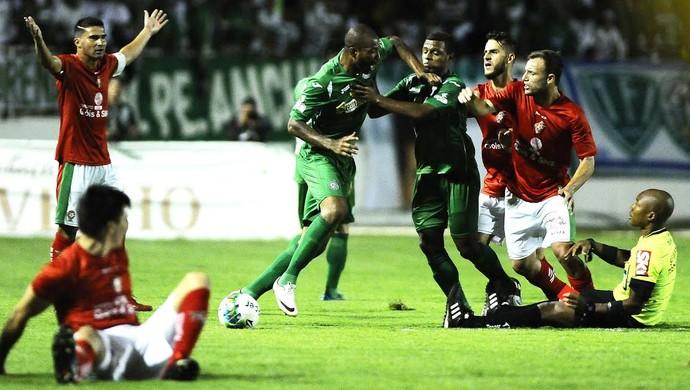Ferreira, Boa Esporte x Guarani, final Série C (Foto: Rodrigo Villalba/ GloboEsporte.com)
