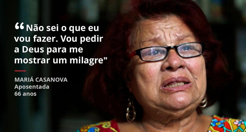Mariá Casanova é aposentada e teve que virar camelô na crise do estado (Foto: Marcos Serra Lima/G1)