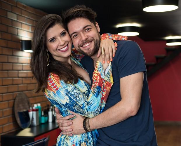 Nasser e Andressa encaram quiz sobre o namoro de mais de 2 anos (Foto: Camila Serejo / Gshow)
