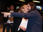 Em clima de romance, Adriana Esteves e Vladimir Brichta lançam filme