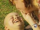 Comoção e homenagens marcam enterro de menino com câncer em MG