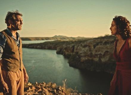 Tereza decide revelar a Santo que ele é pai de Miguel