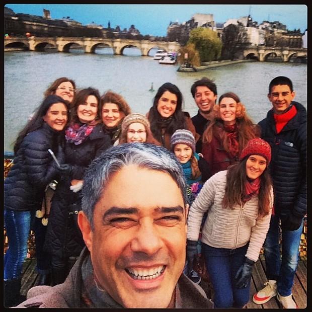 William Bonner com a família em Paris, na França (Foto: Instagram/ Reprodução)