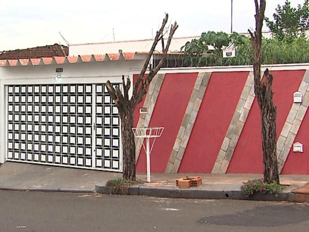 Comerciante é executado dentro de casa na zona leste de Ribeirão Preto (SP) (Foto: Reprodução/EPTV)