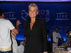 Xuxa fala de problema no pé a revista: 'Apresentando necrose'