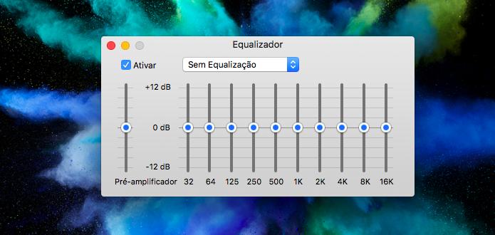 Usando o equalizador do iTunes (Foto: Reprodução/Helito Bijora)