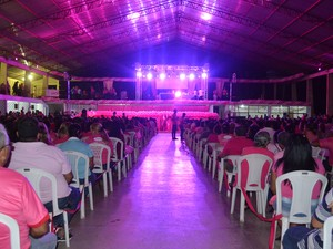 Abertura do 'Outubro Rosa' aconteceu nesta segunda-feira (8), na igreja Jesus de Nazaré (Foto: Aline Paiva/G1)