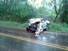 Duas pessoas morrem em acidente entre ambulância e carro na PR-485