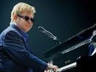 Elton John critica prefeito de Veneza por medidas contra os gays