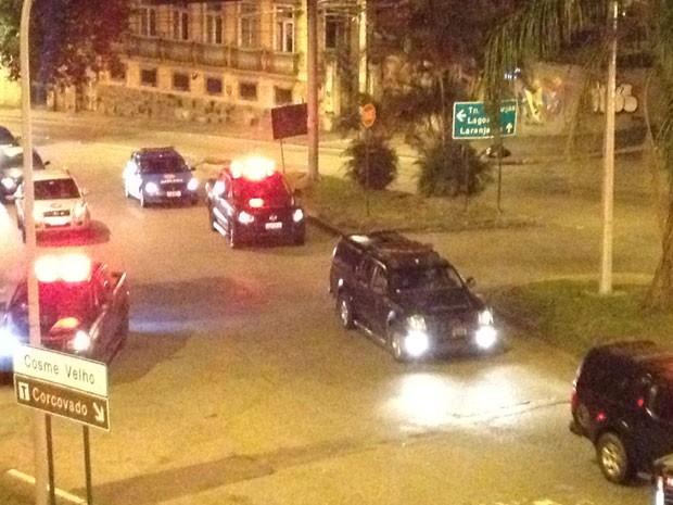 Polícia entrou na comunidade Cerro-Corá por volta das 5h desta segunda-feira (Foto: Renata Soares / G1)