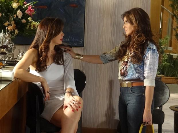 Aconselhada por Ricardo, Helô volta atrás e pede desculpas para Lívia e ainda marca um encontro (Foto: Salve Jorge/TV Globo)