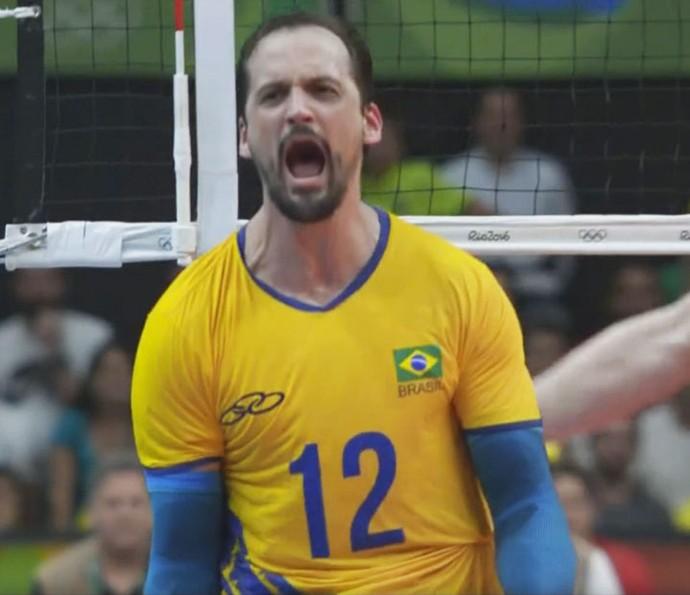 Lipe comemorando mais um ponto durante disputa do ouro olímpico (Foto: TV Globo)
