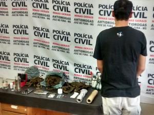 Prisão tráfico de drogas Juiz de Fora (Foto: Polícia Civil Juiz de Fora/Divulgação)