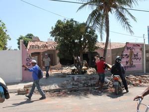 Casa do autor do crime foi destruída (Foto: Amanda Franco/ G1)