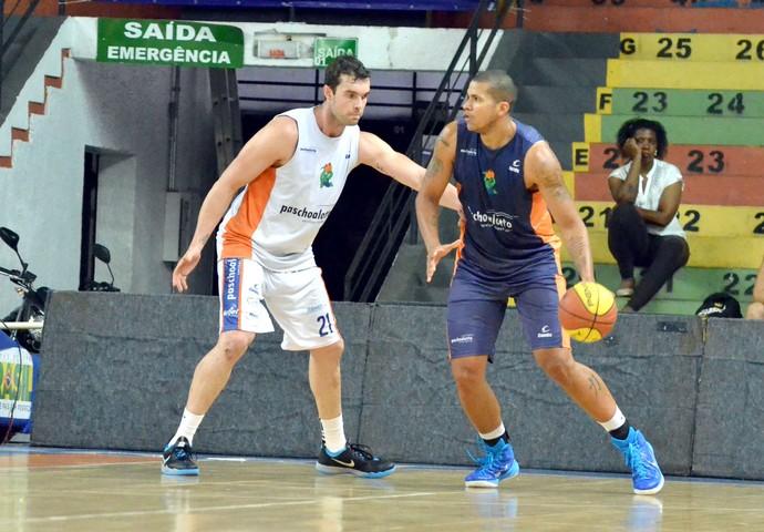 Bauru Basquete, Murilo, Hettsheimeir, treino (Foto: Henrique Costa / Bauru Basket)