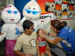 Campanha de vacinação é realizada em Manaus (Foto: Divulgação/Semcom)