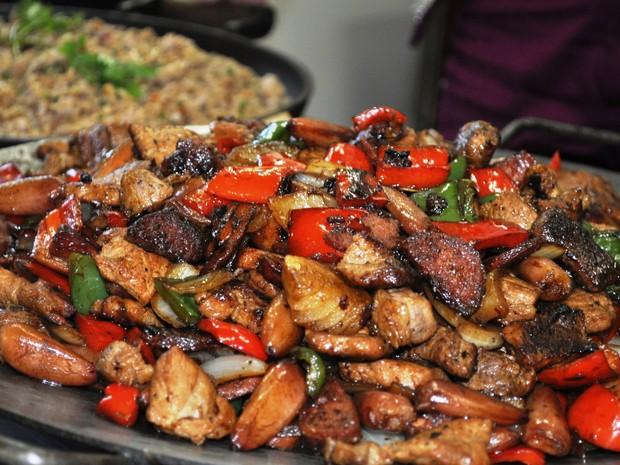 Entrevero reúne diversos tipos de alimentos, além do pinhão (Foto: Taina Borges/Divulgação)