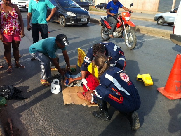 Vítima teve ferimentos leves (Foto: Valdivan Veloso/G1)