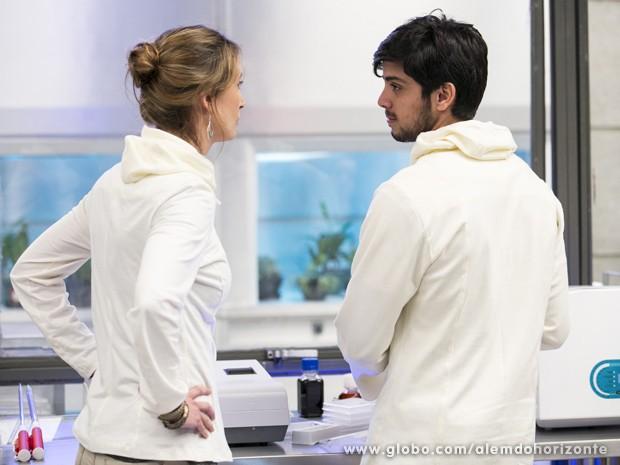 Marlon diz para Angelique que o caso deles acabou (Foto: Felipe Monteiro/TV Globo)