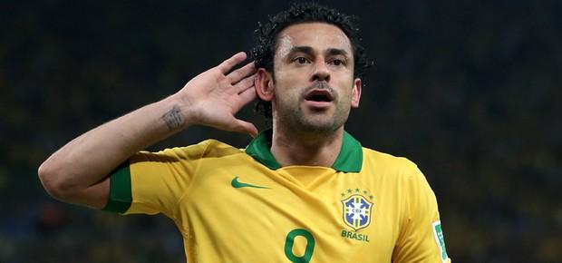 Fred comemora o terceiro gol do Brasil (Foto: Jasper Juinen/ Getty Images)