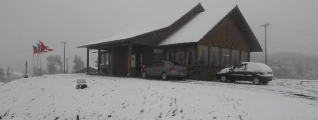 Neve é registrada em São José dos Ausentes, nos Campos de Cima da Serra, RS (Foto: Divulgação/Prefeitura de São José dos Ausentes)