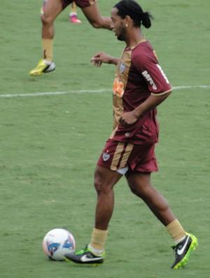 Ronaldinho treino Altético-MG (Foto: Léo Simonini)