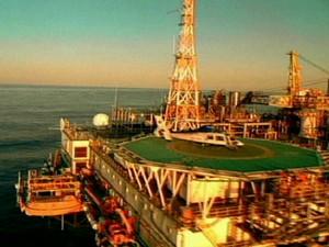 Royalties do petróleo: parlamentares de estados não-produtores de petróleo tentam votar regime de urgência (Foto: Reprodução Globo News)