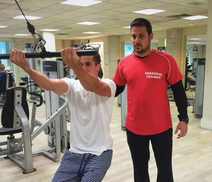 Ricardo com o personal trainner Igor Garruço (Foto: Arquivo Pessoal)