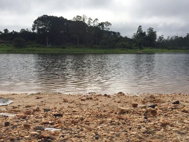 Represa do Rio Jundiaí, no distrito de Taiaçupeba, em Mogi das Cruzes (Foto: Willian Ruiz/ TV Diário)