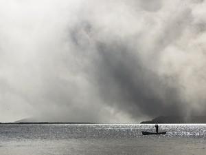Fumaça tóxica pode ir para outros estados (Foto: Kleber Silva/VC no G1)